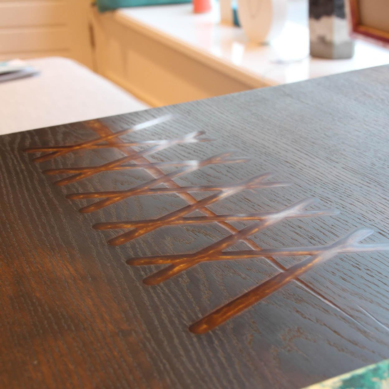 Houten tafels met epoxy - B'art - Design & Wijn